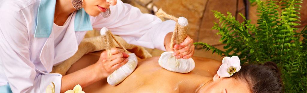 Тайский массаж мешочками трав