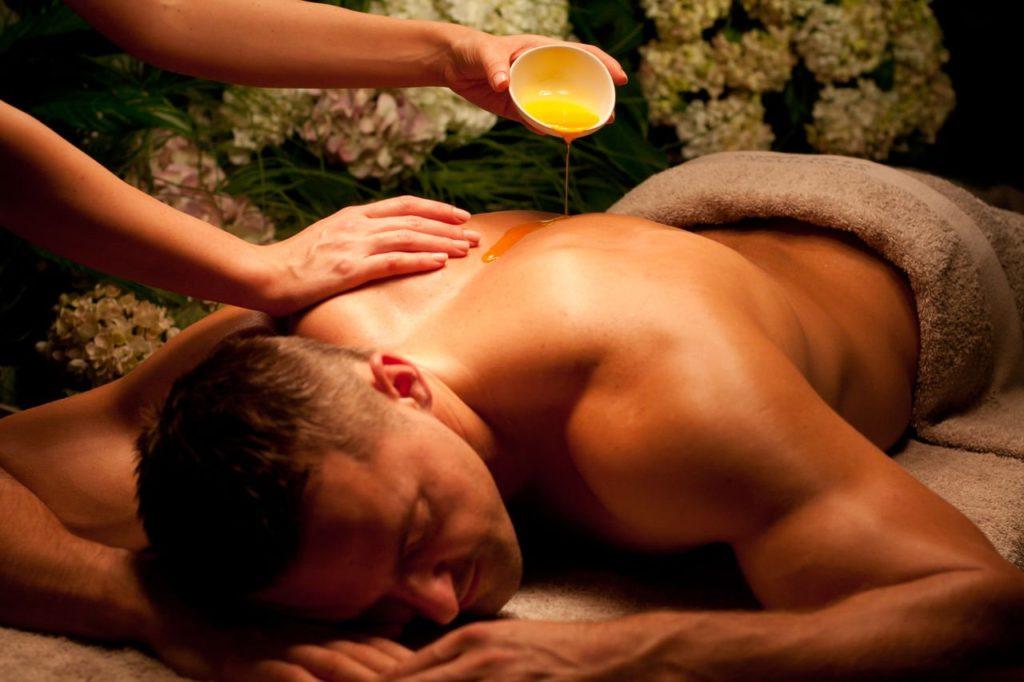 Эротический массаж - подарок для мужчины
